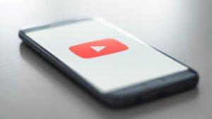 Google testa resultados de pesquisa juntamente com vídeos no Youtube para Android