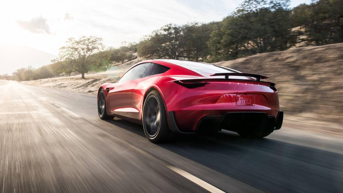 Como seria a aceleração de um Tesla Roadster com motores a jato da SpaceX?