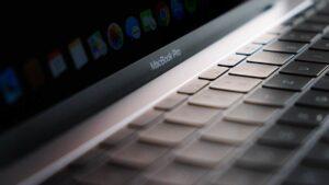 Patente da Apple revela MacBook Pro com 5 ecrãs