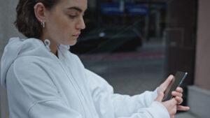 Aspeto do OnePlus Nord revelado num vídeo oficial