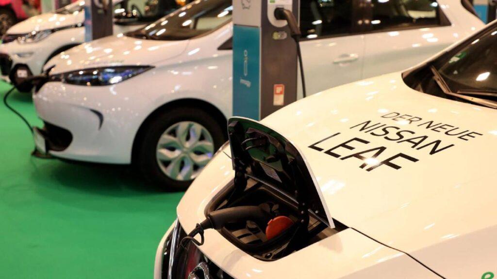 nissan leaf carregador carros elétricos