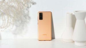 Samsung Galaxy S20 FE 4G surge em loja sueca com processador Snapdragon 865