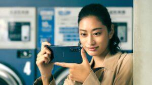 """Sony Xperia 5 II chega com ecrã OLED de 6,1"""" com 120 Hz"""