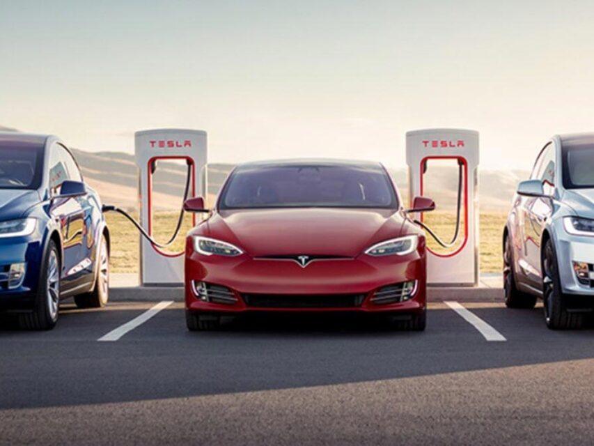 SuperChargers da Tesla poderão ser utilizados por outros carros elétricos a partir de 2022