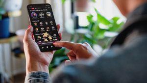 Facebook lança Live Audio Rooms como funcionalidade concorrente à Clubhouse