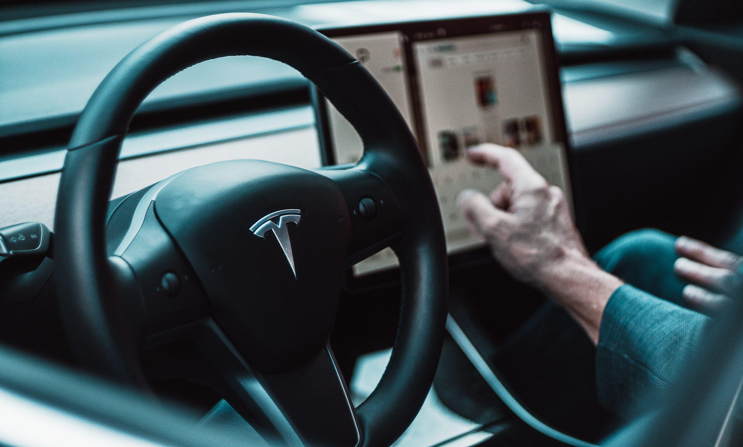 Full Self-Driving da Tesla vai custar $199 por mês