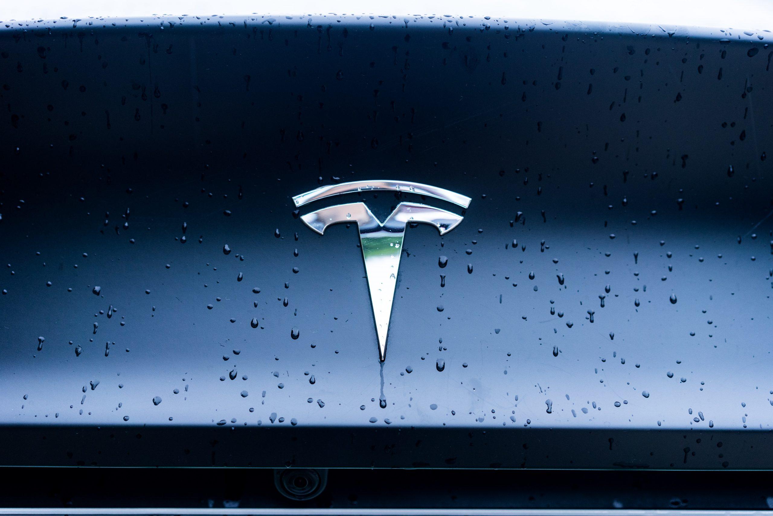 tesla carro logo
