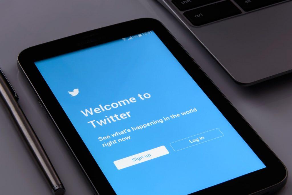 tablet twitter login