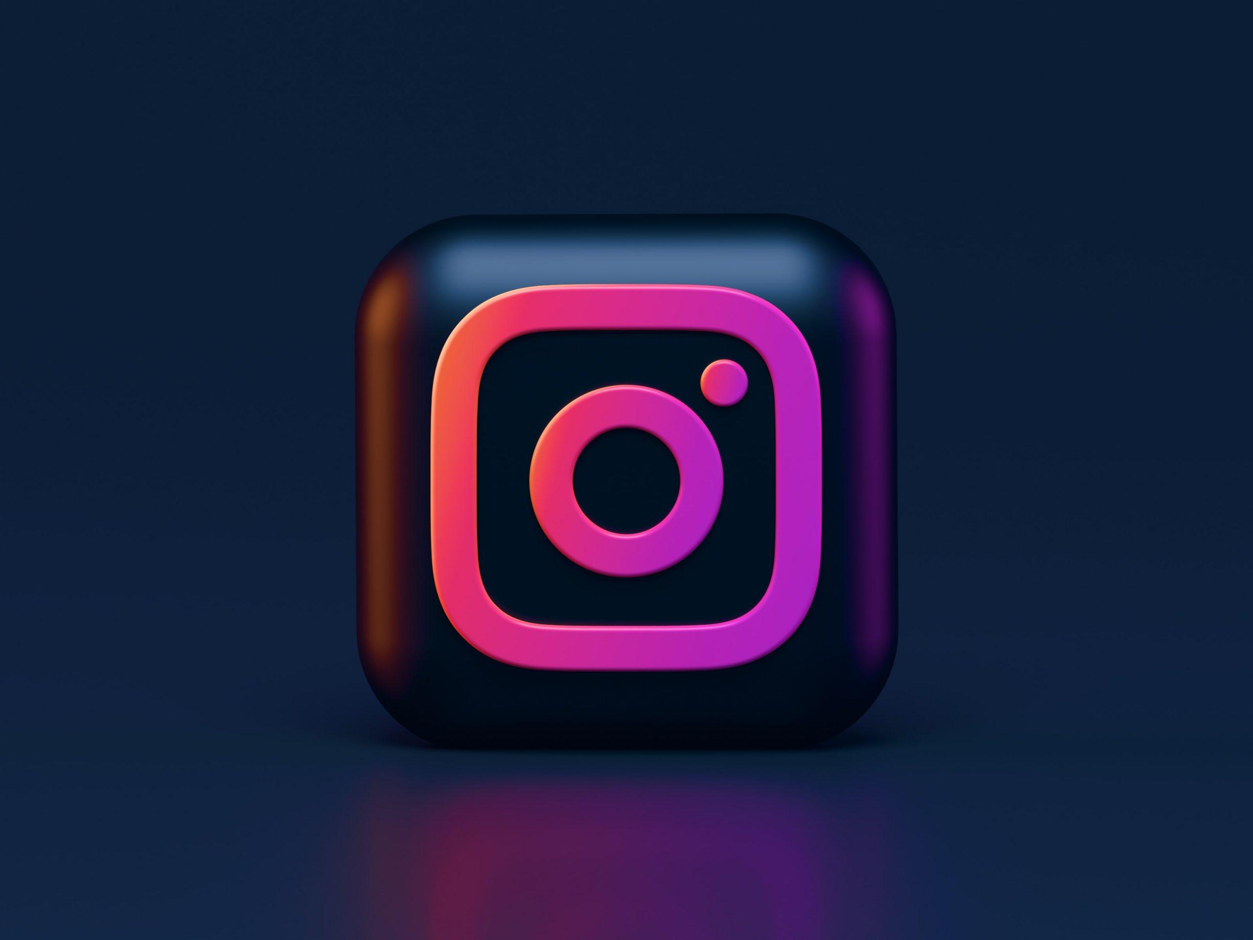 Instagram obriga a introdução da data de nascimento