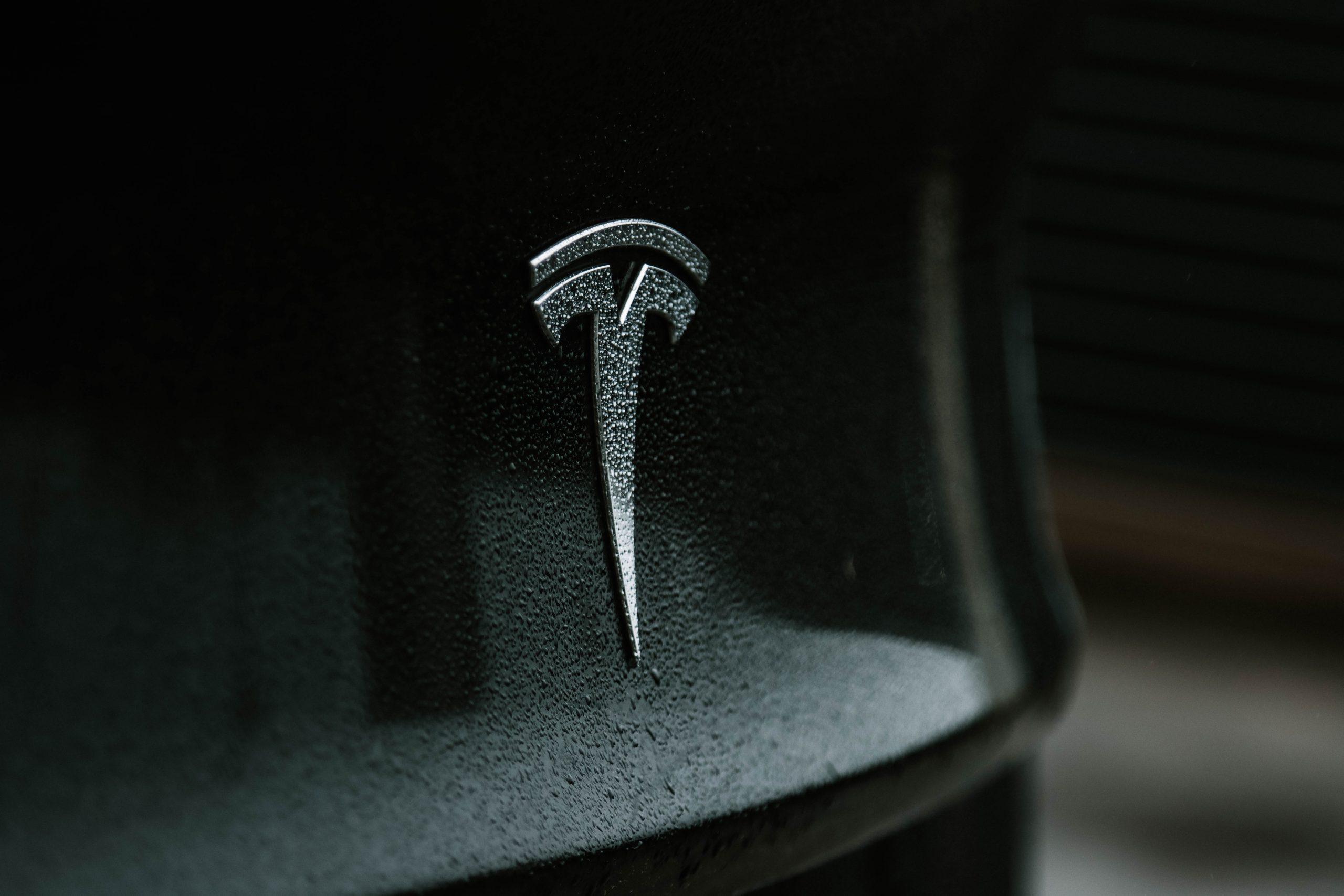 Tesla simbol