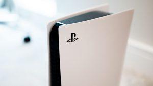 Nova PS5 é 300 gramas mais leve que a primeira geração