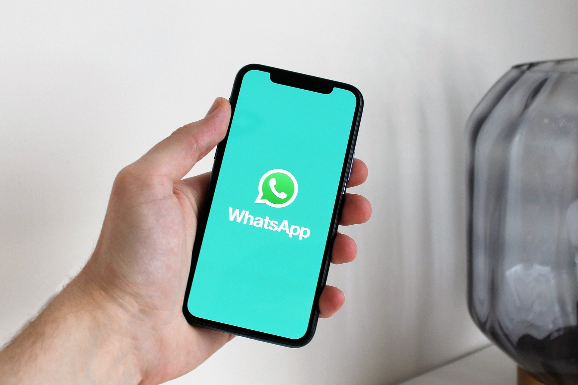WhatsApp poderá ter reações para as mensagens