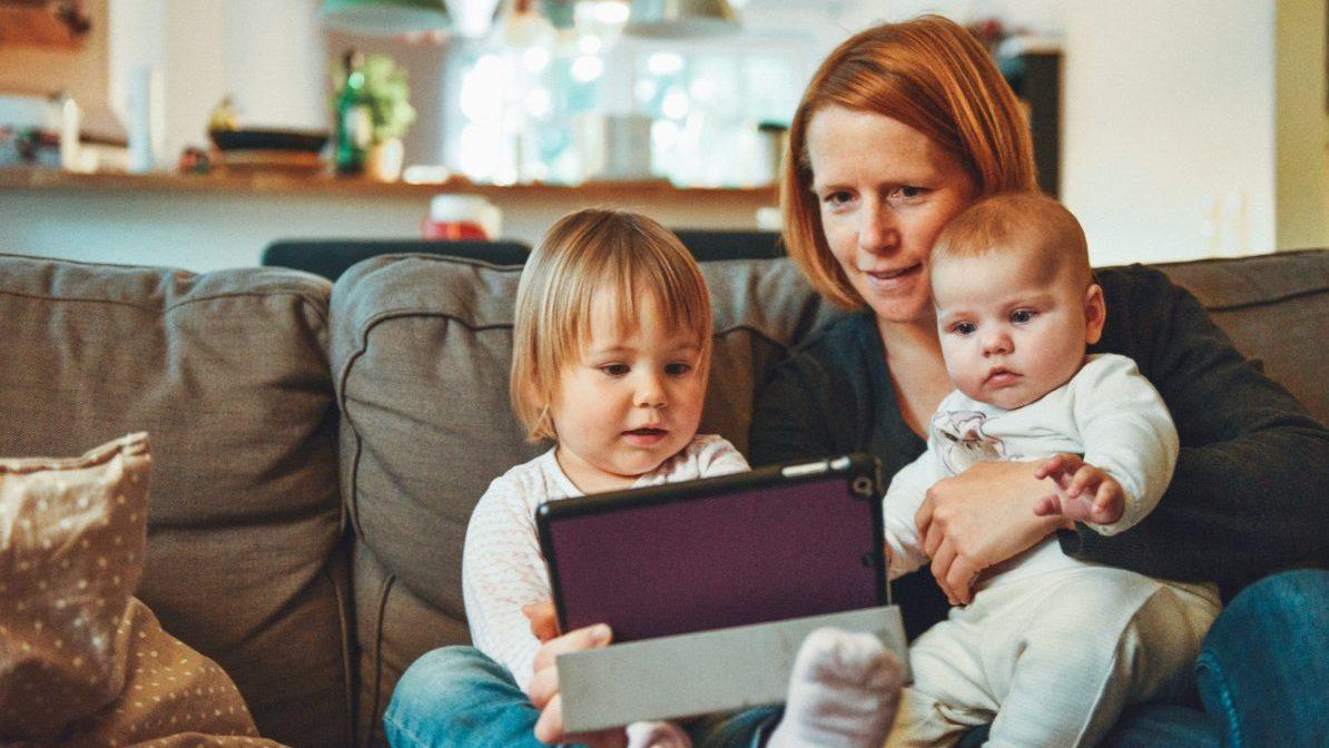 smartphone study criancas kids jovens