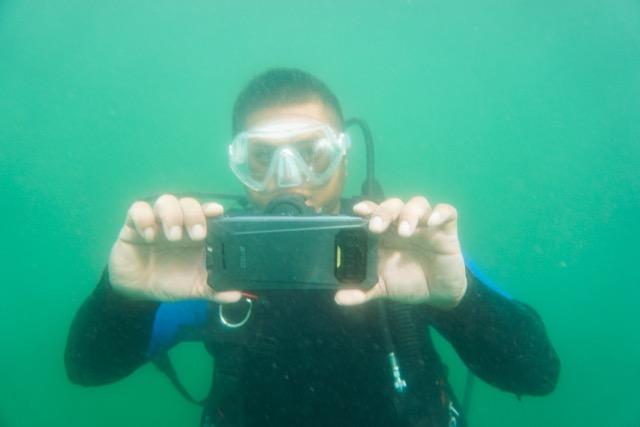 iiiF150 R2022 smartphone diving