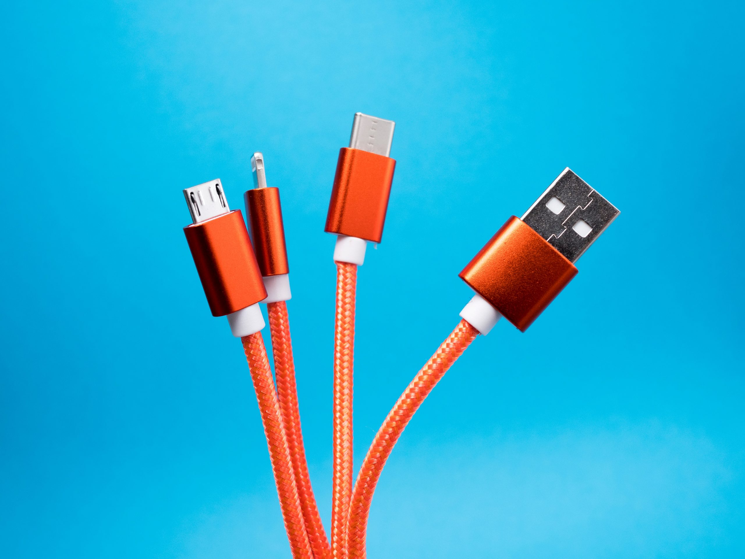 União Europeia: obrigação para utilizar portas USB-C em todos os equipamentos (incluindo nos iPhone)